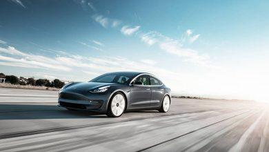 """Photo of Tesla Model 3 ја """"растури"""" конкуренцијата"""