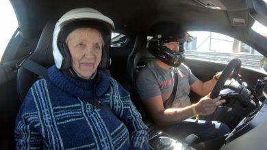 Photo of Викенд Тарифа: Бабичка ужива на тркачка патека и 300 km/h
