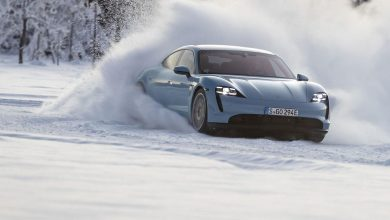 Photo of Викенд тарифа: Снежно дрифтање со Porsche Taycan е вистинско уживање (видео)