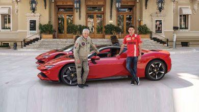 Photo of Шарл Леклер и SF90 Stradale со главните улоги во филмот Randez-vous