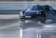 """Photo of Викенд тарифа: Porsche Taycan со Гинисов рекорд за """"електричен дрифт"""""""