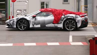 Photo of Ferrari SF90 Spider уловен за време на подготовките