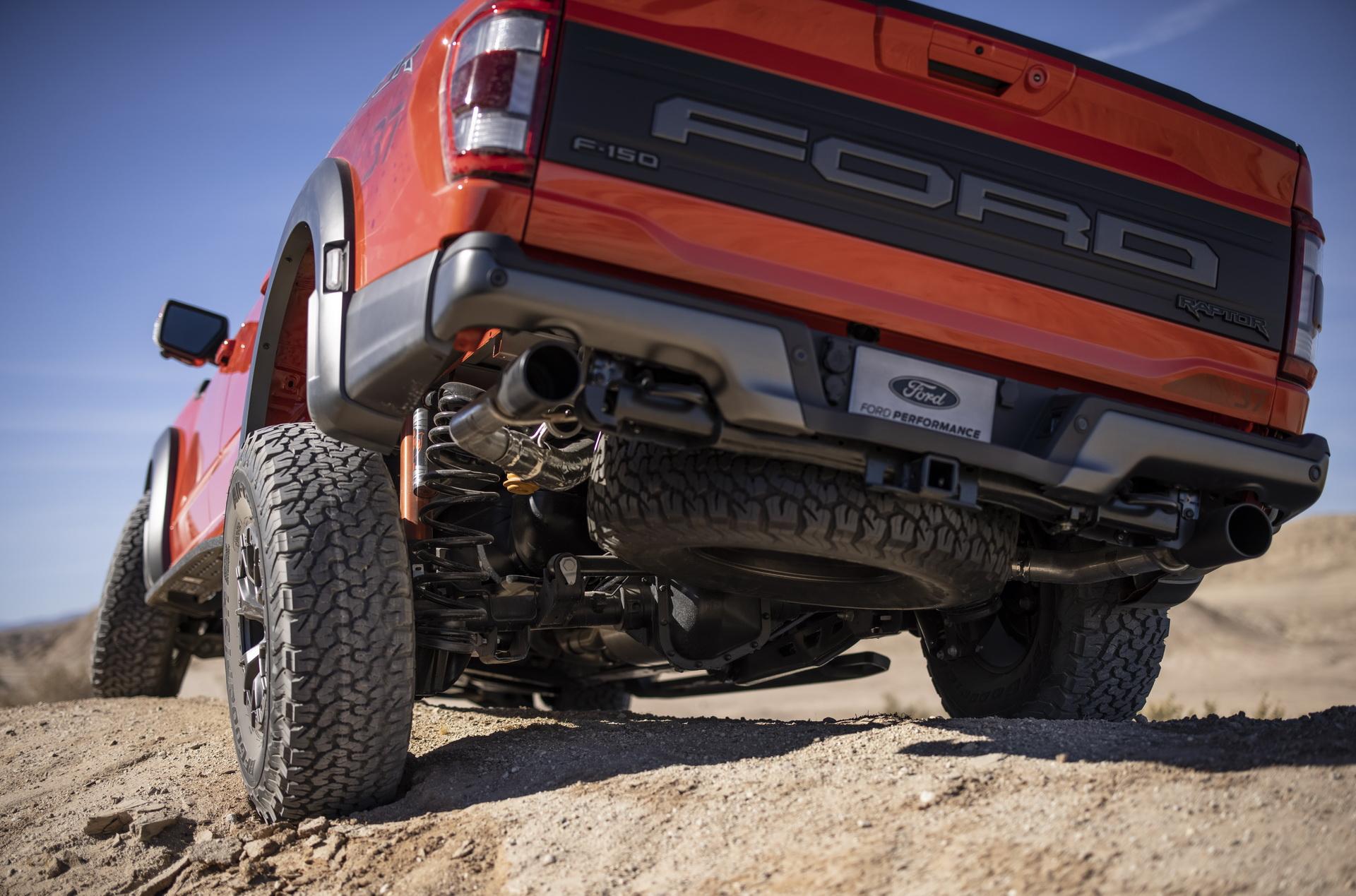 Ford представил новый F-150 Raptor